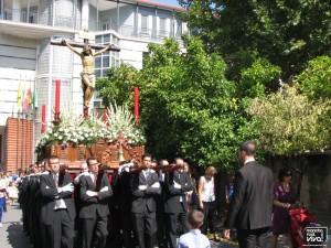 El Cristo de la Piedad a su paso por la plaza