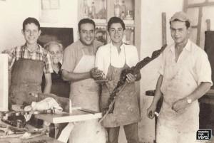 Andrés Guzmán con sus ayudantes