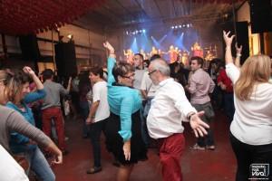 Bailes de rumbas y sevillanas en la pista