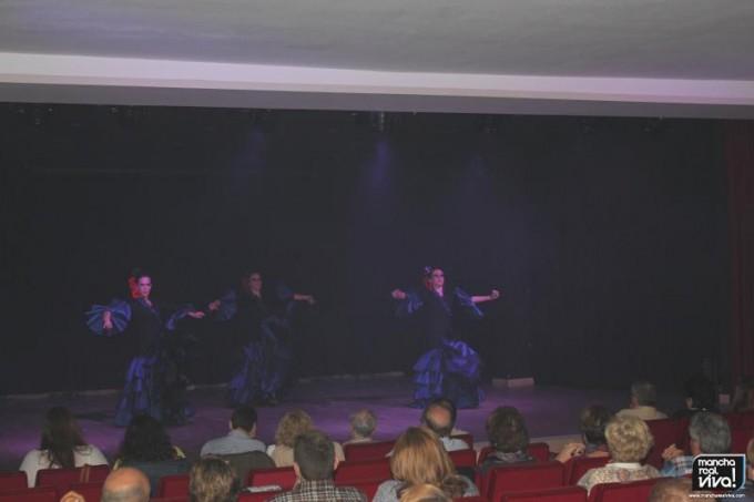 En el escenario interpretando la Vida Breve