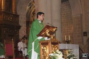El nuevo sacerdote se dirigió a los presentes