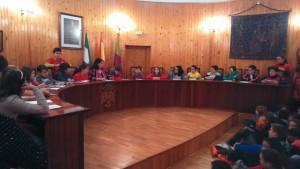 Los alumnos de sexto se sentaron en el Salon de Plenos del Ayuntamiento