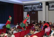 Photo of El cuenta cuentos «La Navidad de Snowy» divierte a los pequeños en el final del año
