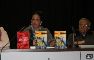 """Ramona Cortés """"Capi"""" dirigiendose al público"""