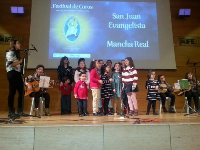 Coro de San Juan Evangelista en su actuación