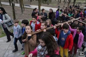 Los niños en el Vía Crucis