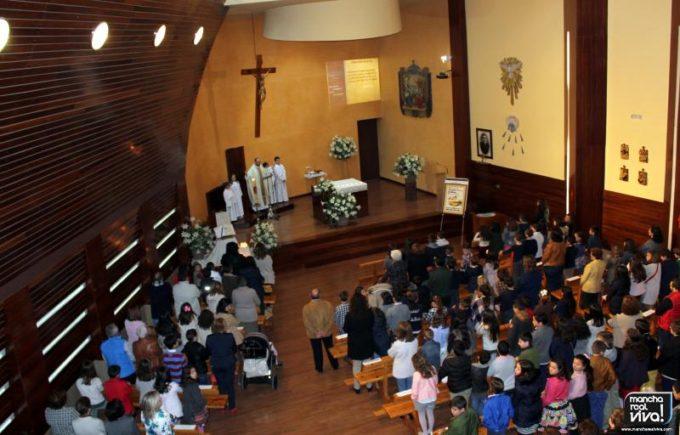 La iglesia se llenó de fieles