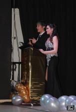 Lola Ruiz y Pedro Sánchez presentaron la gala