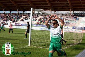 Elady fue el protagonista con los dos goles