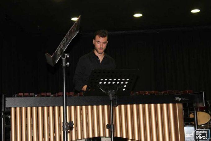 Fernando Fernández durante su Recital