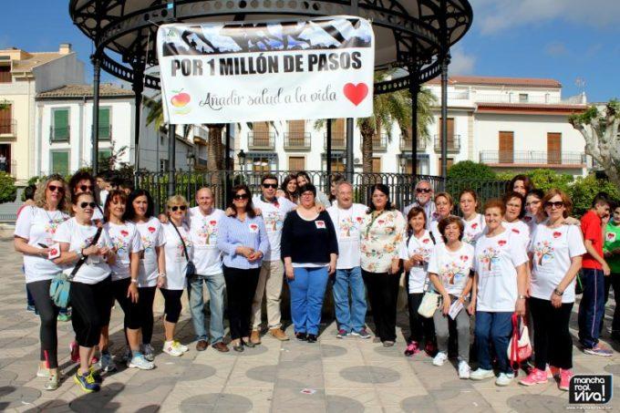 Grupo con las autoridades municipales y profesionales del Centro Médico