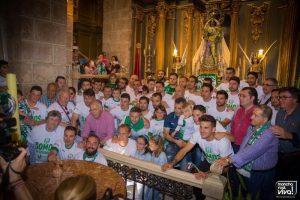 Foto de grupo en la Iglesia