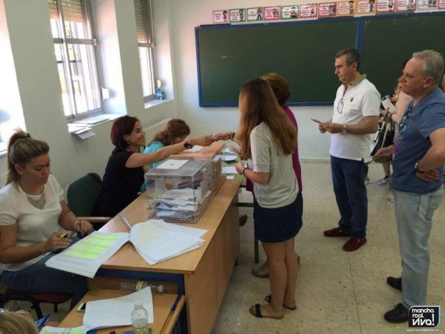 Una de las Mesas Electorales del 26-J