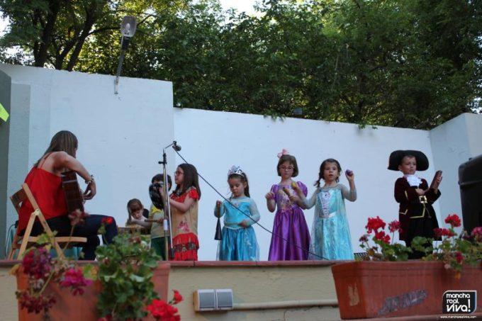 Los más pequeños con la Fiesta sorpresa de Rapunzel y su profesora Isabel Alcántara