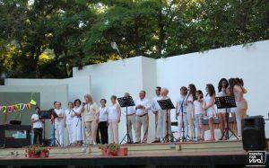 Escuela de canto con su profesora Alfonsi Marin