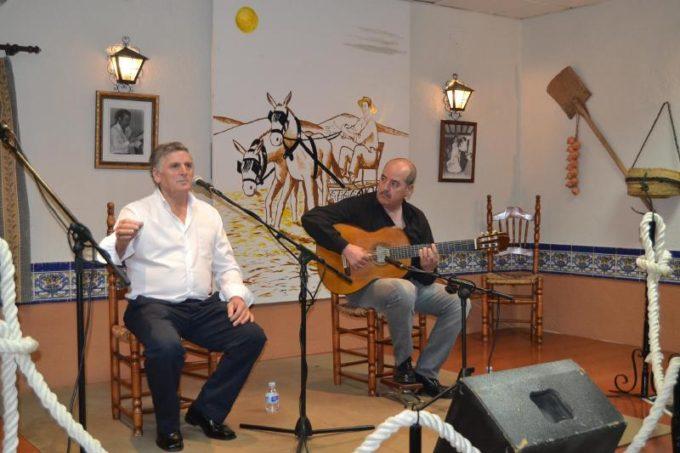 Manuel Restoy al cante y Antonio Rueda a la guitarra