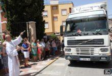 Photo of Los transportistas sacan sus vehículos a la calle para celebrar San Cristóbal
