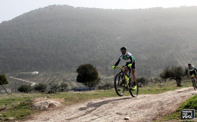 Etapa de la Andalucía Bike Race 2016 a su llegada a Mancha Real