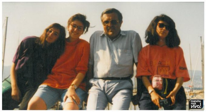 Jose Luis Quero con sus alumnas