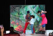 Photo of El Cuentacuentos infantil «Encaja-Dos» hizo felices a los niños/as en su representación