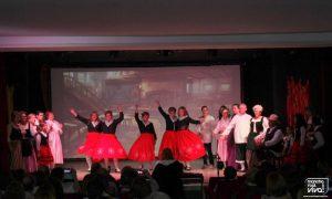 La Asociación La Serranilla en uno de sus bailes