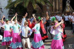 Las niñas de Bailomaná bailaron para la Virgen