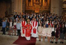 Photo of El Obispo Confirma a 54 jóvenes en San Juan Evangelista de Mancha Real