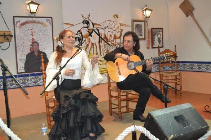 Rosi Campos y Antonio Carrión en una gran noche de cante