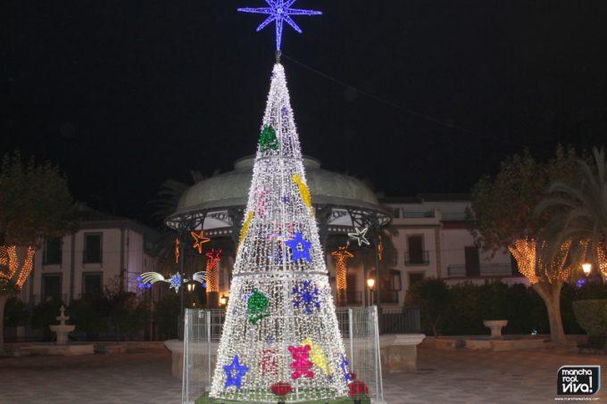 Árbol de Navidad 2016 en la plaza