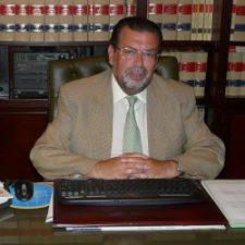 Antonio Luis Gómez en su despacho