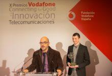 Photo of El sistema Eyesynth para invidentes recibe el Premio Vodafone Connneting for Good