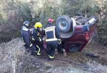 Photo of Vuelca un vehículo en el camino de los Albercones