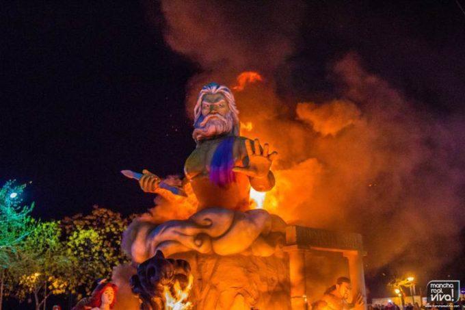 Foto de archivo: El Poder en llamas