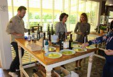 Photo of Los AOVE de Mancha Real ponen su sello de calidad en Granada, ante profesionales de la cocina