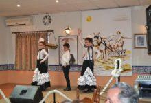 Photo of La Escuela de Flamenco de Andalucía hace su presentación en la peña «El Trillo»