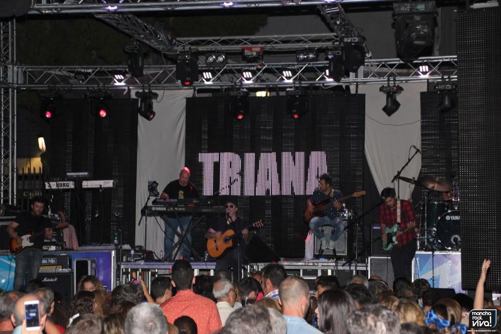 Photo of Las míticas canciones de Triana «llenaron» el Parque en el 2º día de Verbena de Mancha Real