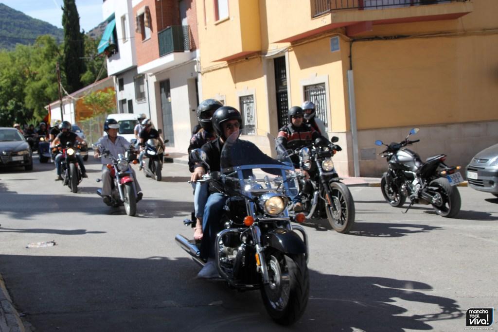 Photo of Más de 150 motos inundan las calles de Mancha Real en el I Encuentro Motero «Puerta de Mágina»