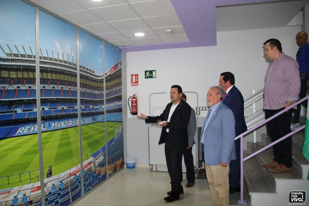 Photo of Tomás Roncero es invitado a la inauguración de la nueva sede de la Peña Madridista «Juanito»