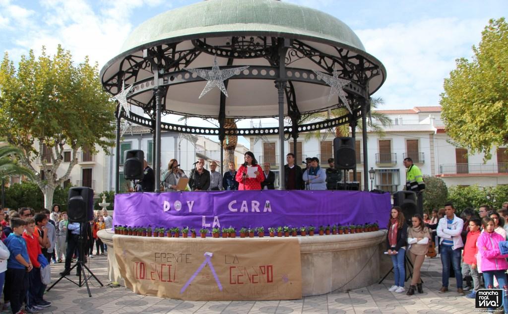 Photo of Mancha Real levanta su voz en contra de la violencia de género y en recuerdo de sus victimas