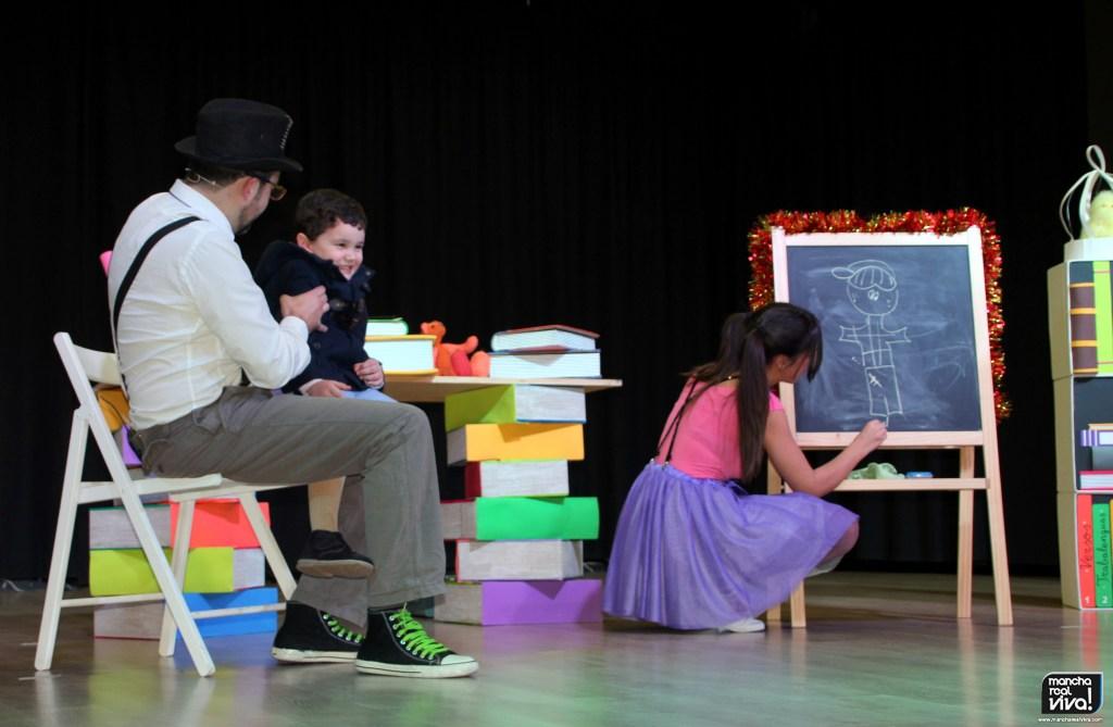 Photo of La literatura infantil de «Gloria Fuertes» fue recordada en la Navidad por Chiripa Teatro