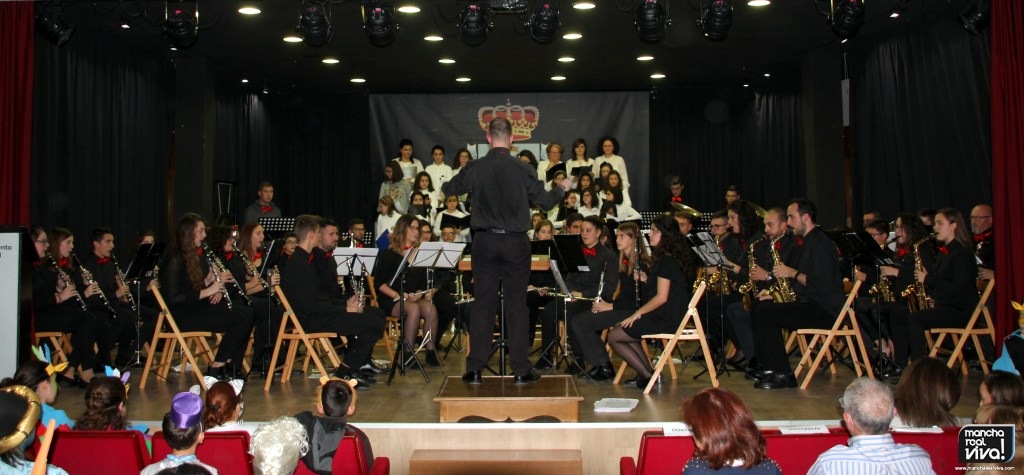 Photo of Gran éxito del Concierto de Navidad de Amigos de la Música 2017 «Canta Disney»