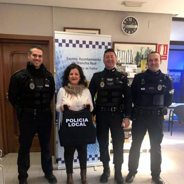 Photo of La Policía Local de Mancha Real recibe nuevo equipamiento de seguridad