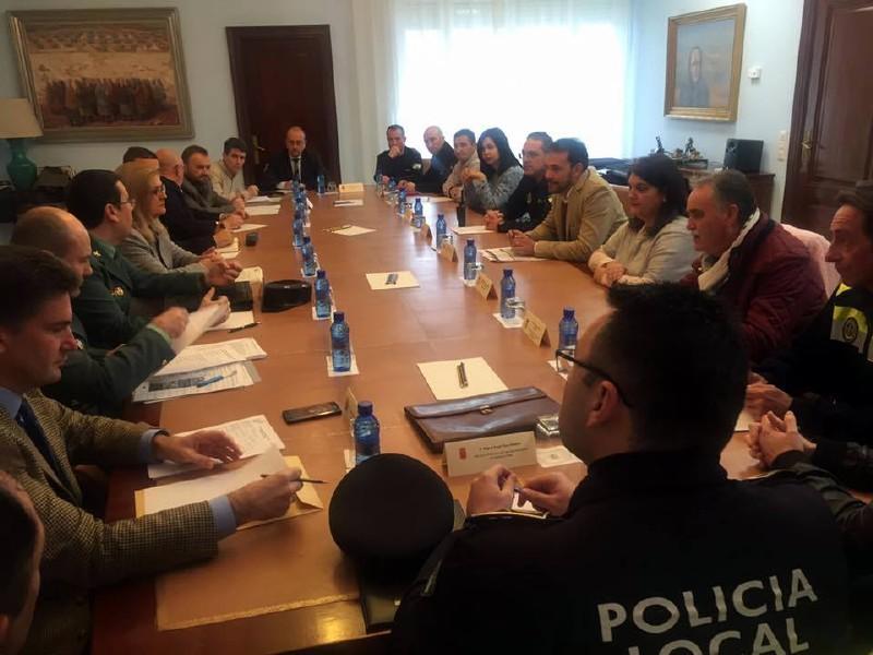 Photo of Reunión para la seguridad de la Vuelta Ciclista a Andalucía 2018 en la Subdelegación de Gobierno