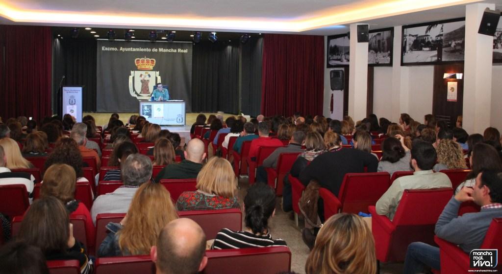 Photo of El Juez Emilio Calatayud realizó una charla en Mancha Real de los problemas reales de los menores
