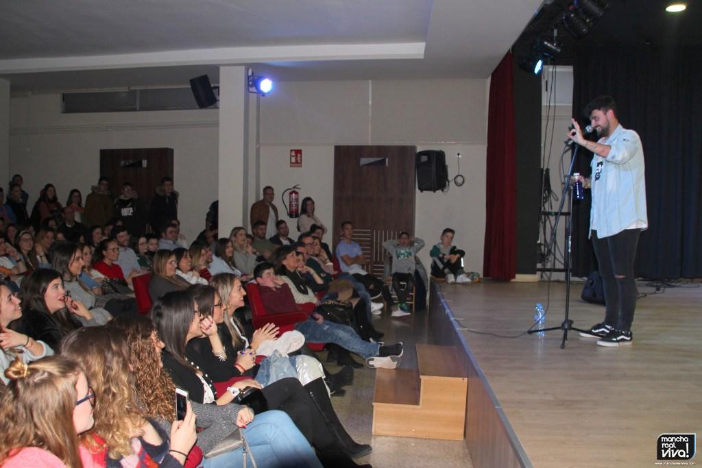 Photo of Las carcajadas fueron constantes en el espectáculo del monologuista Juan Amodeo