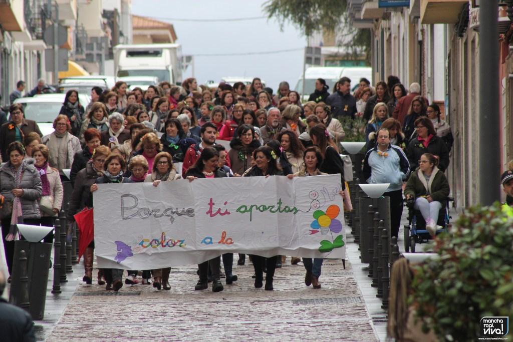 Photo of Las mujeres de Mancha Real salieron a la calle reivindicando igualdad en el Día de la Mujer 2018