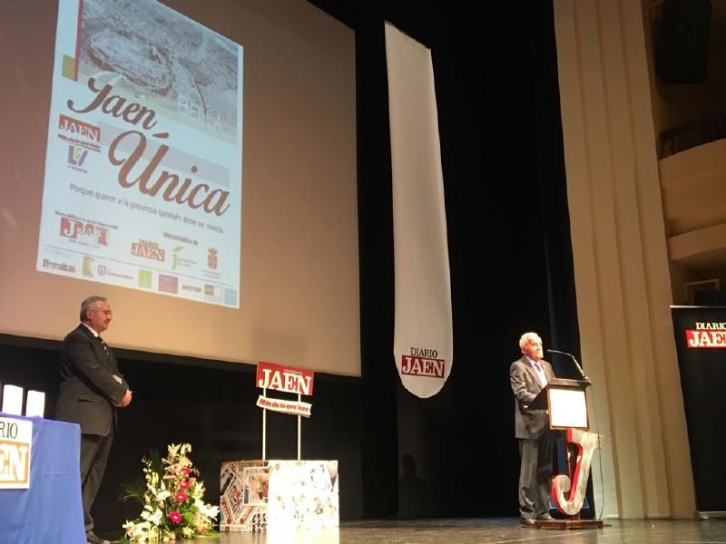 Photo of Los premios «Jaén Única» reconocen la labor de José Luis Quero en la Historia de Mancha Real