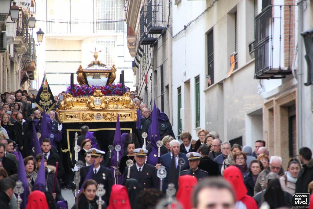 Photo of La lluvia hizo una tregua y el Santo Entierro de Cristo salió por las calles de Mancha Real