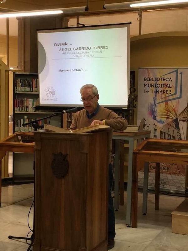 Photo of El Club de Lectura de Mancha Real acude a Linares a leer El Quijote, en las actividades del Día del Libro