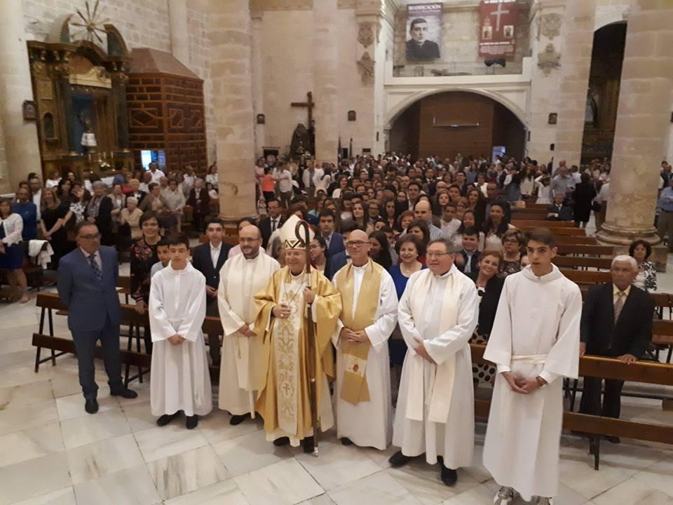 Photo of El Obispo de Jaén preside las Confirmaciones en la Parroquia de San Juan Evangelista